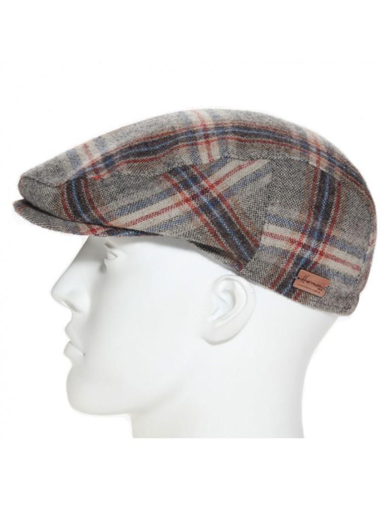 casquette formée en laine vierge