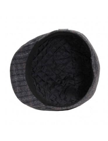 casquette formée en laine grise