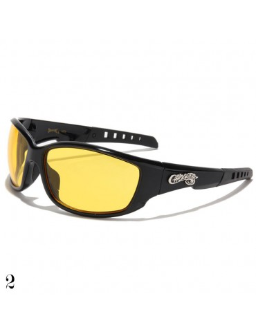 lunette de soleil monture noir et vision jaune
