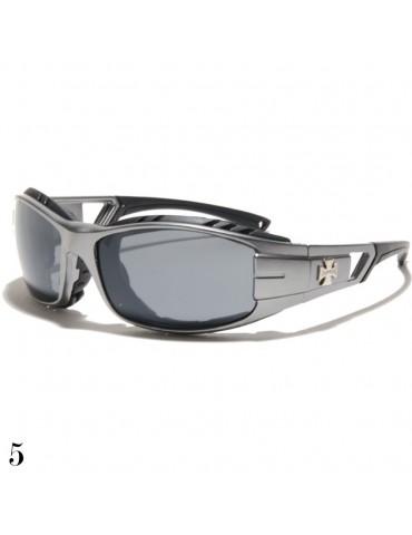 lunette de soleil vision grise monture argent avec logo croix de Malte