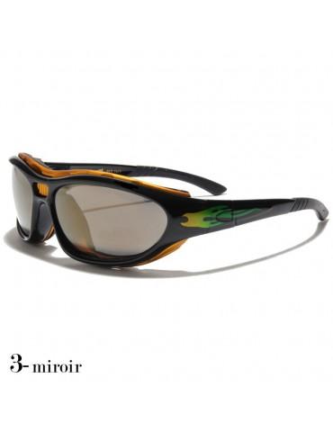 lunettes de soleil avec flamme verte