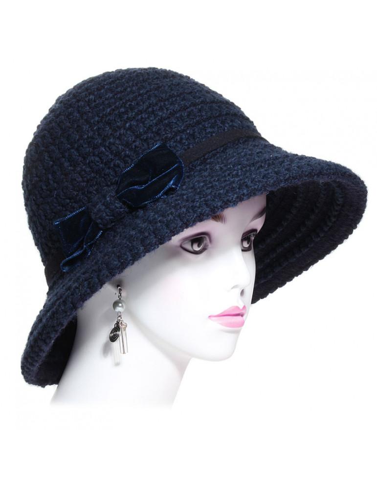 chapeau en laine coloris bleu marine