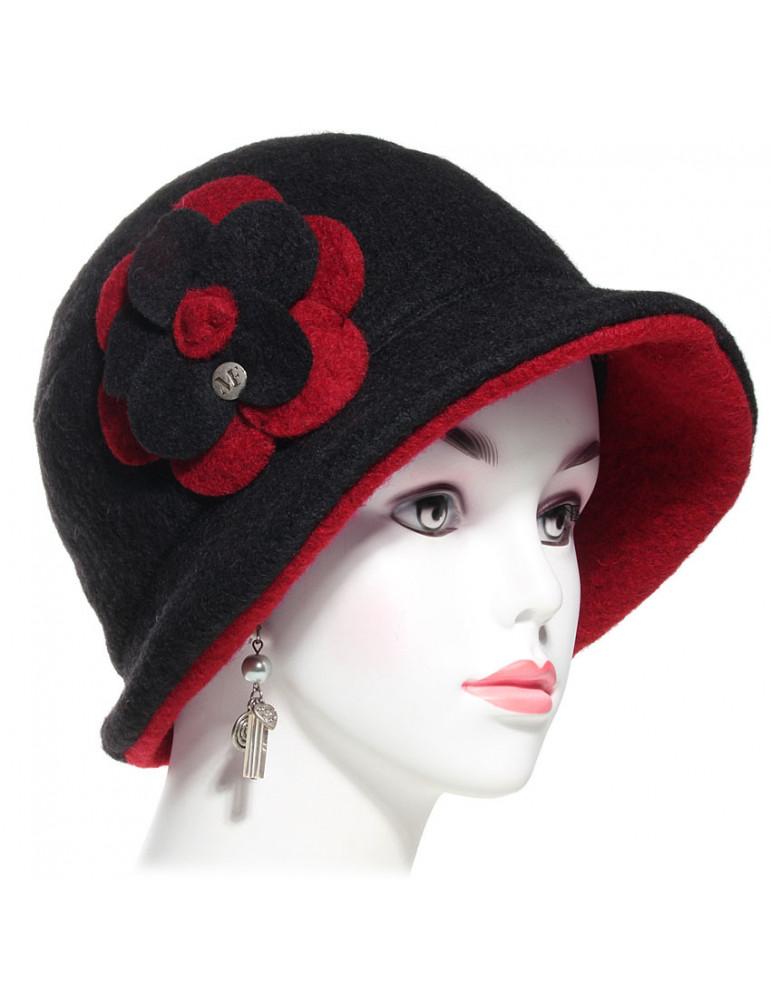 Chapeau laine femme couleur noir et rouge